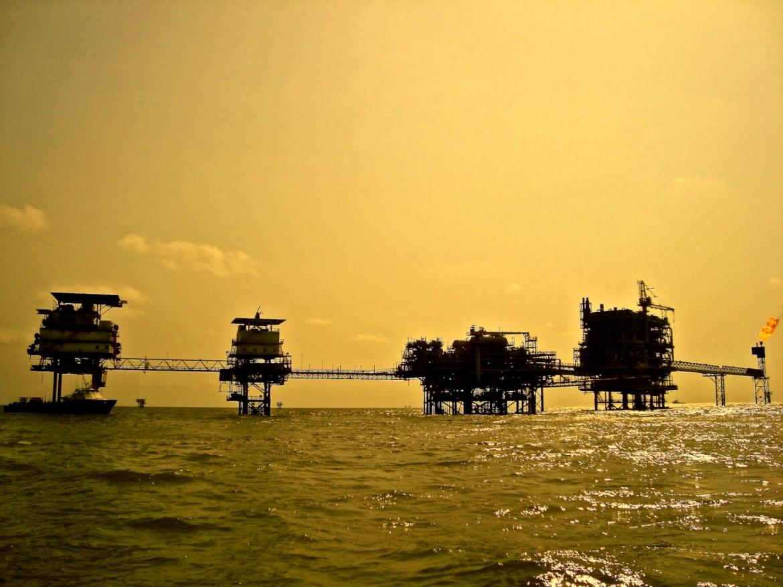 L'une des plateformes pétrolières au large d'Escravos © OCEAN71 Magazine