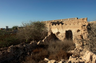 A few ruins of Jazira Al Hamra. Prior to 1968, the town was composed of 300 houses and 13 mosques © Philippe Henry / OCEAN71 Magazine