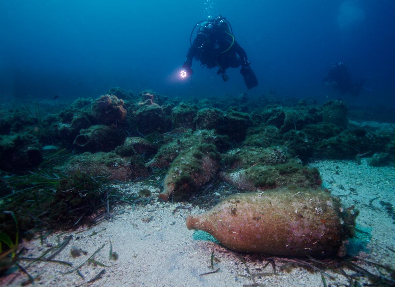 a recreated ancient wreck near Marseille ©Francis Le Guen