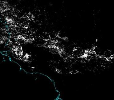 Une vue satellite d'août 2015 sur laquelle on voit clairement les plaques de Sargasses se rapprocher de l'arc antillais © DR