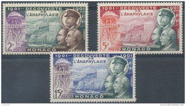 Plusieurs timbres à l'effigie de Charles Richet et la Physalia ont été émis en 1901 © Delcampe Luxembourg SA